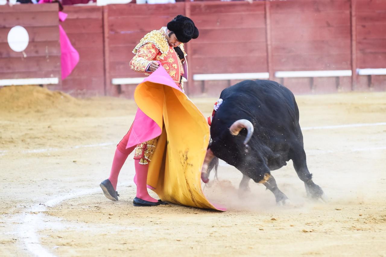 Tarde triunfal en Jerez con la terna a hombros