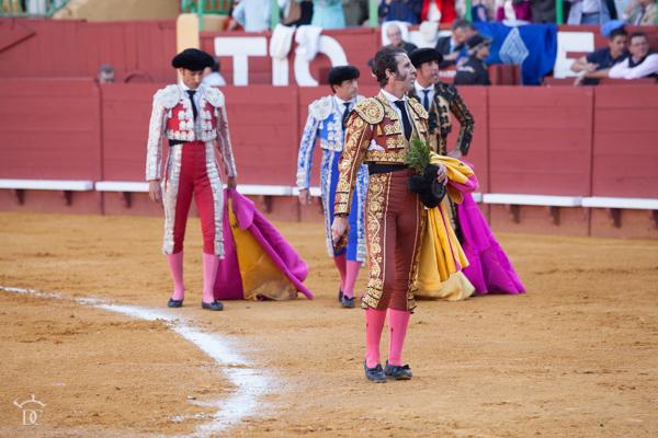 Puerta grande de Padilla en su despedida de Jerez. Fotos de David Cala